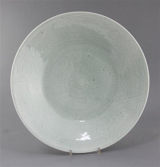 A Chinese celadon glazed dish, 19th century, 40.35cm