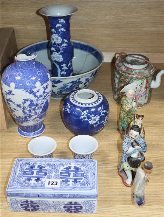 Assorted Oriental ceramics including a Gu vase, large blue and white bowl, etc. (a.f.)