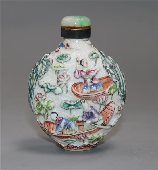 A Chinese moulded famille rose snuff bottle, Jiaqing mark period