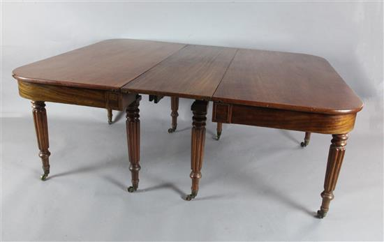 A George IV mahogany extending dining table, W.4ft 8in. H.2ft 5in. Extends to 8ft 8in.